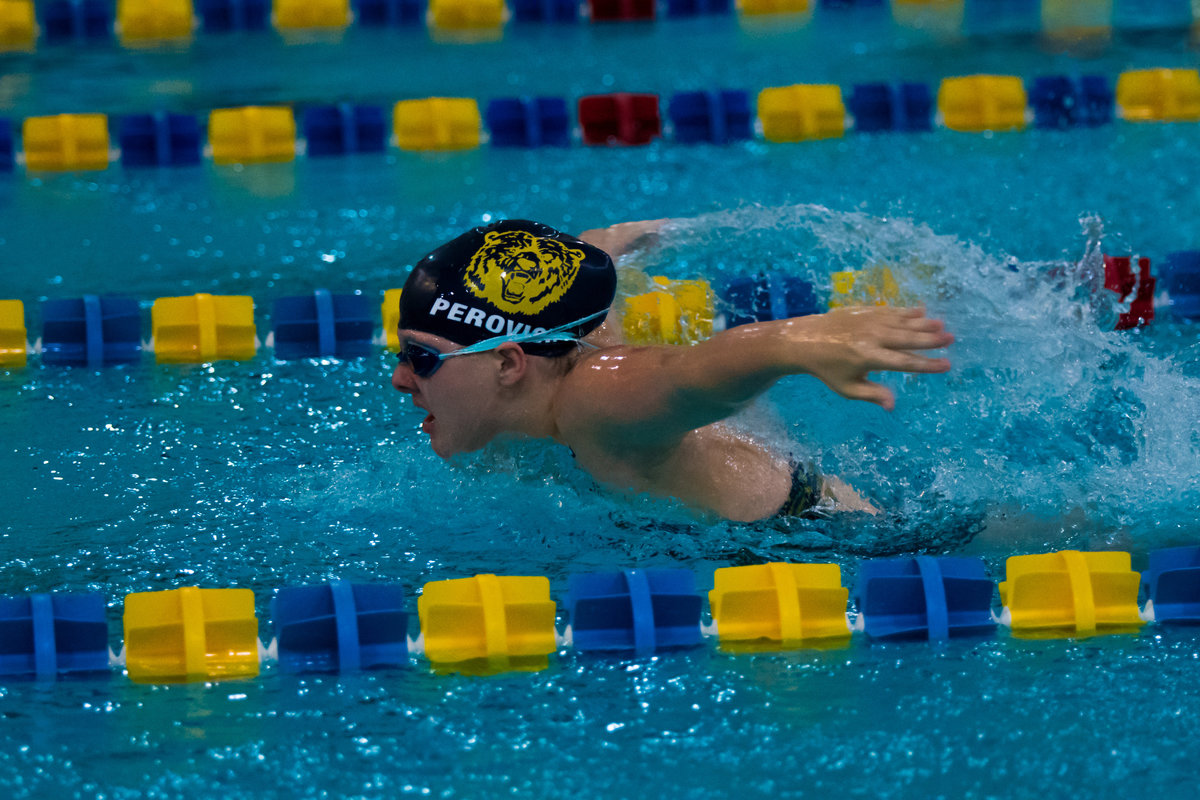 WYANDOTTE_GIRLS_SWIM-9