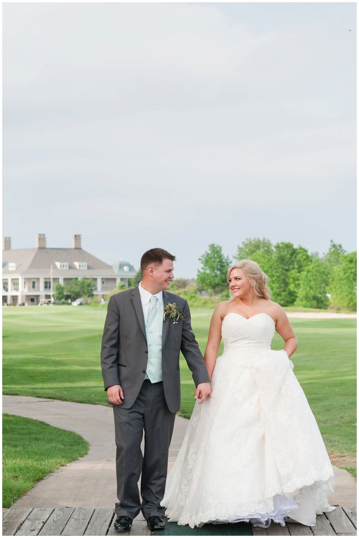 Heritage golf and country club wedding hilliard ohio wedding photos_0004