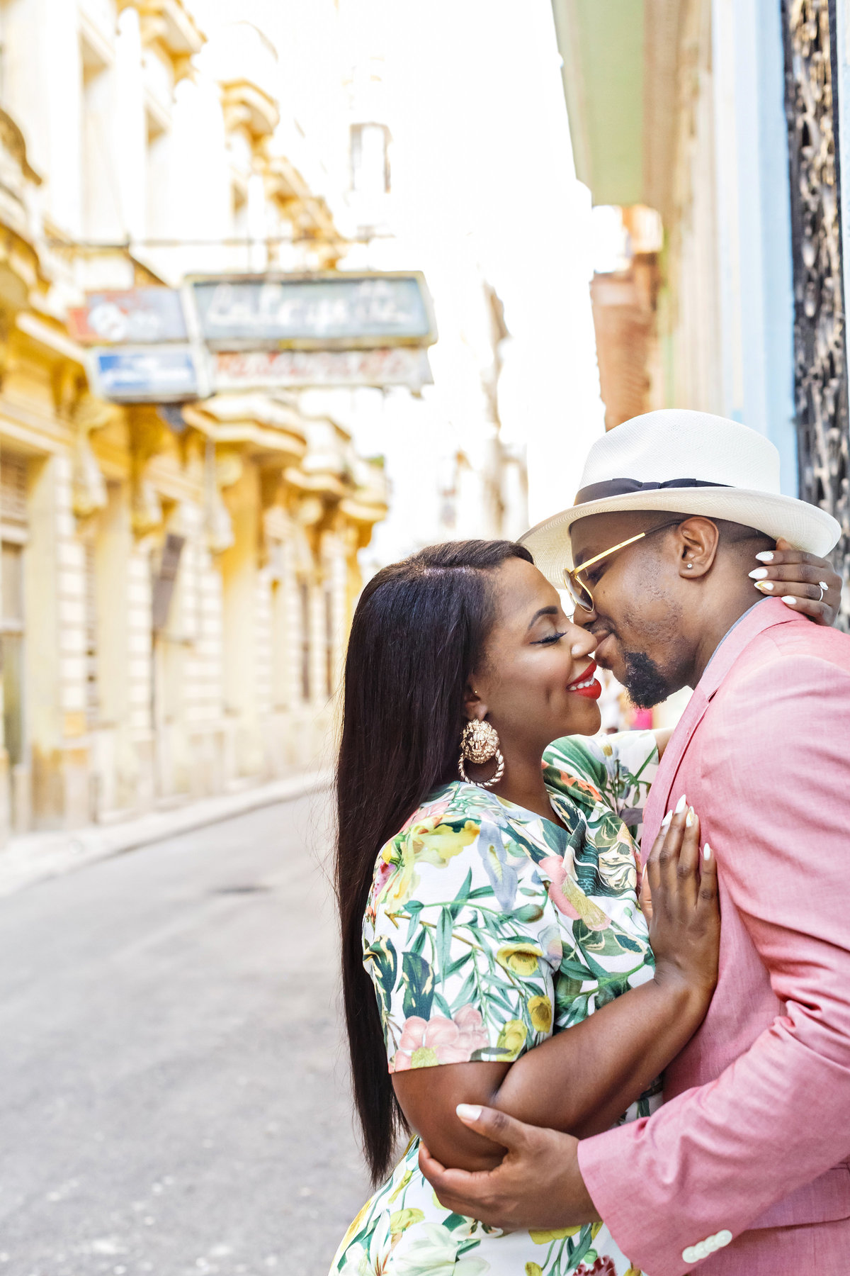 AmyAnaiz_Makini_Regal_Destination_Engagement_Havana_Cuba_001