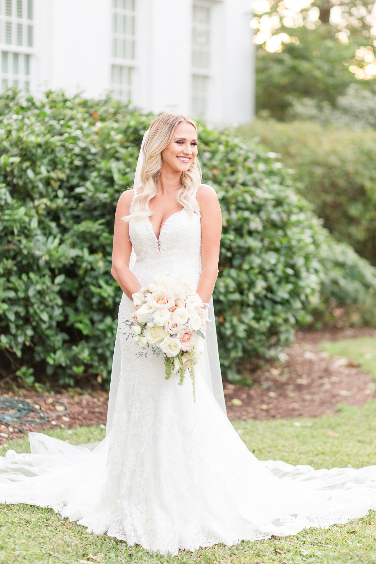 old_governors_mansion_baton_rouge_bridal_session_12