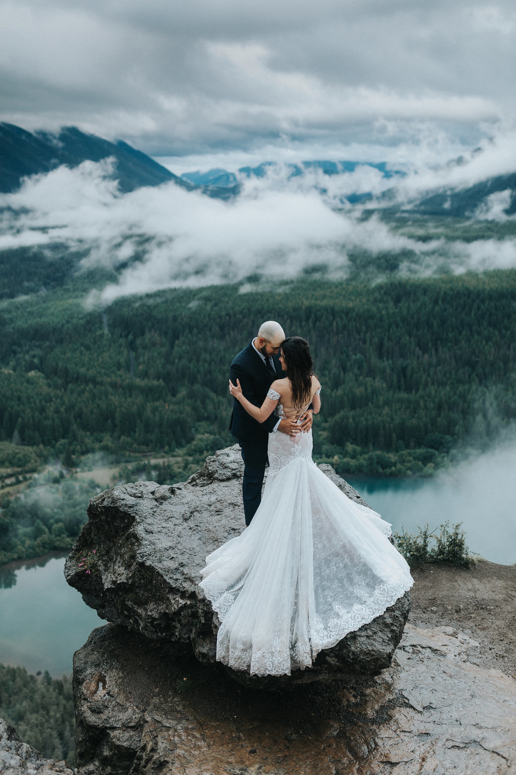 Mountaintop elopement in Mt. Baker in North Cascades, Seattle Washington
