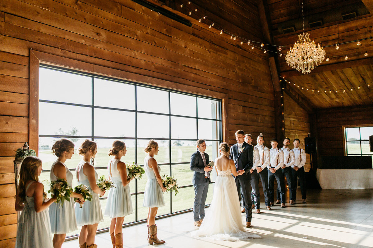 Alexa-Vossler-Photo_Dallas-Wedding-Photographer_North-Texas-Wedding-Photographer_Stephanie-Chase-Wedding-at-Morgan-Creek-Barn-Aubrey-Texas_89