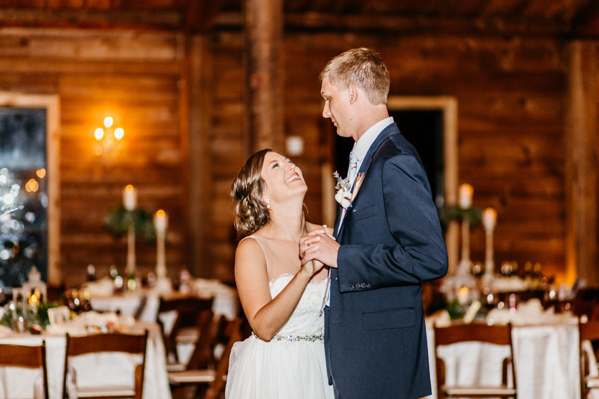 Alexa-Vossler-Photo_Dallas-Wedding-Photographer_North-Texas-Wedding-Photographer_Stephanie-Chase-Wedding-at-Morgan-Creek-Barn-Aubrey-Texas_218