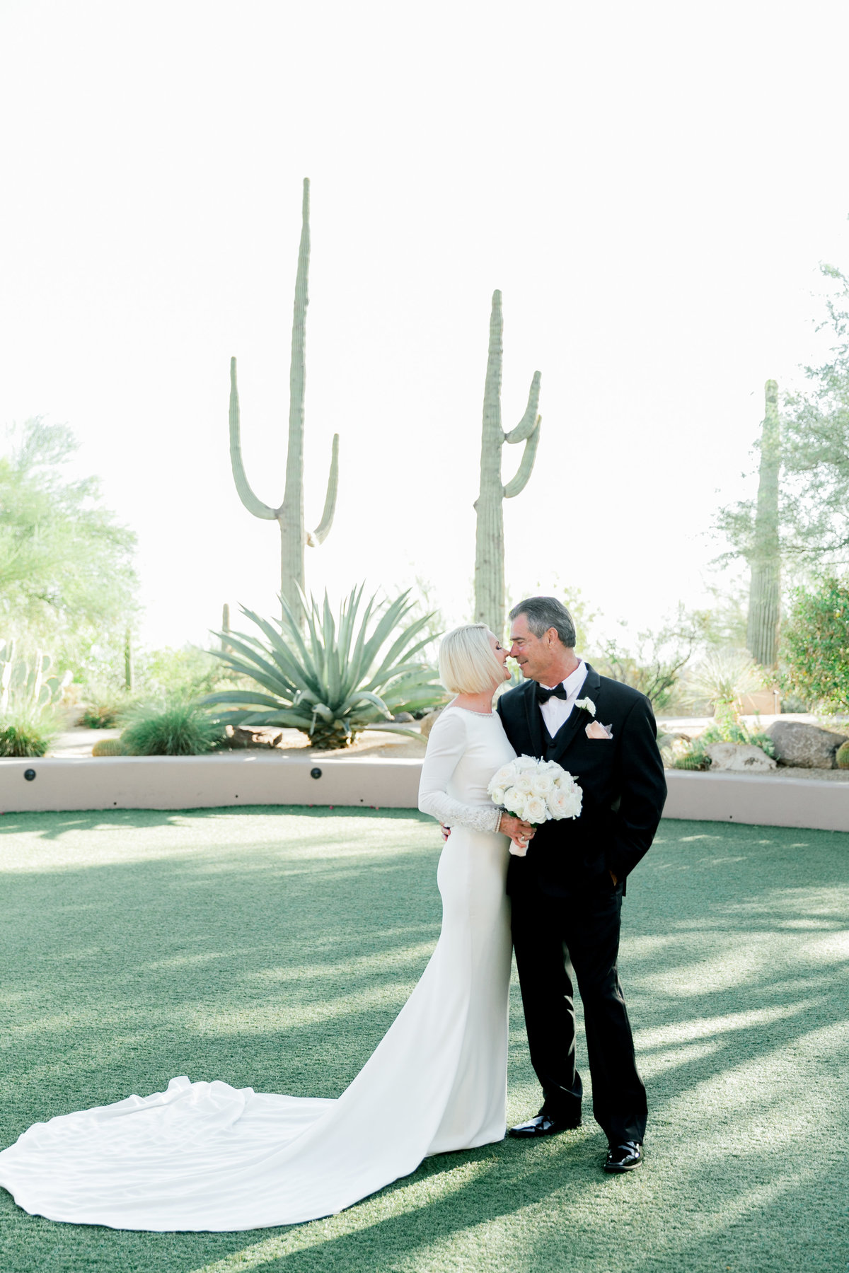 Karlie Colleen Photography - Four Seasons Scottsdale Arizona Wedding - Camille & Jim -191