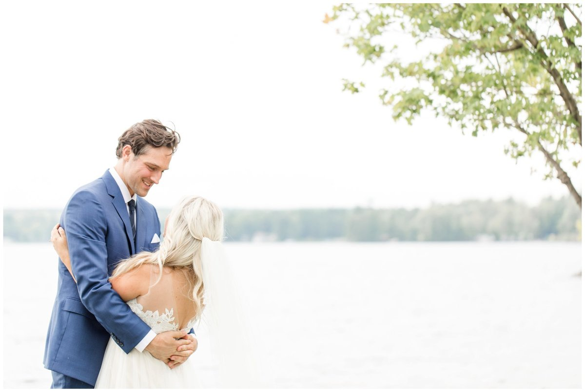 Light-and-Airy-Ottawa-Wedding-Photographer-Bride-and-Groom-Calabogie-Wedding