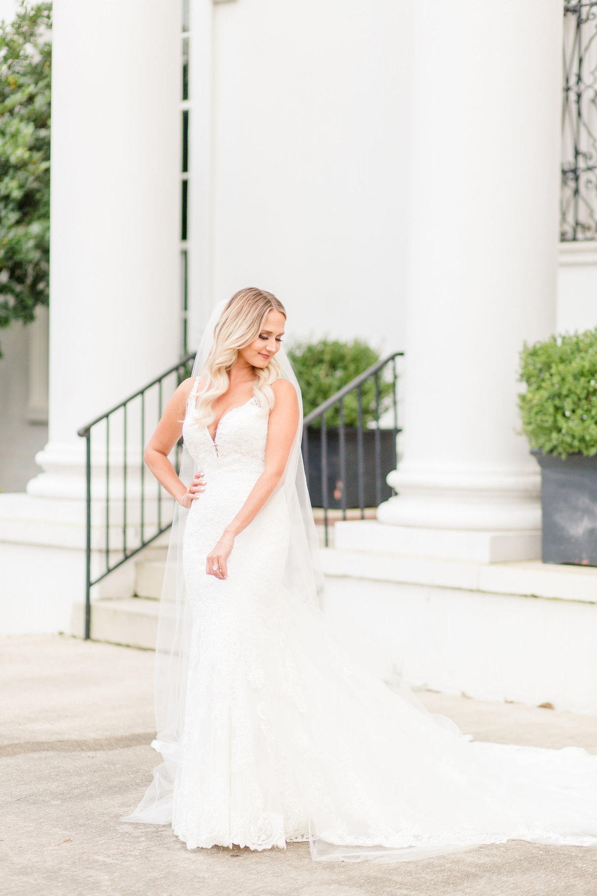 old_governors_mansion_baton_rouge_bridal_session_10
