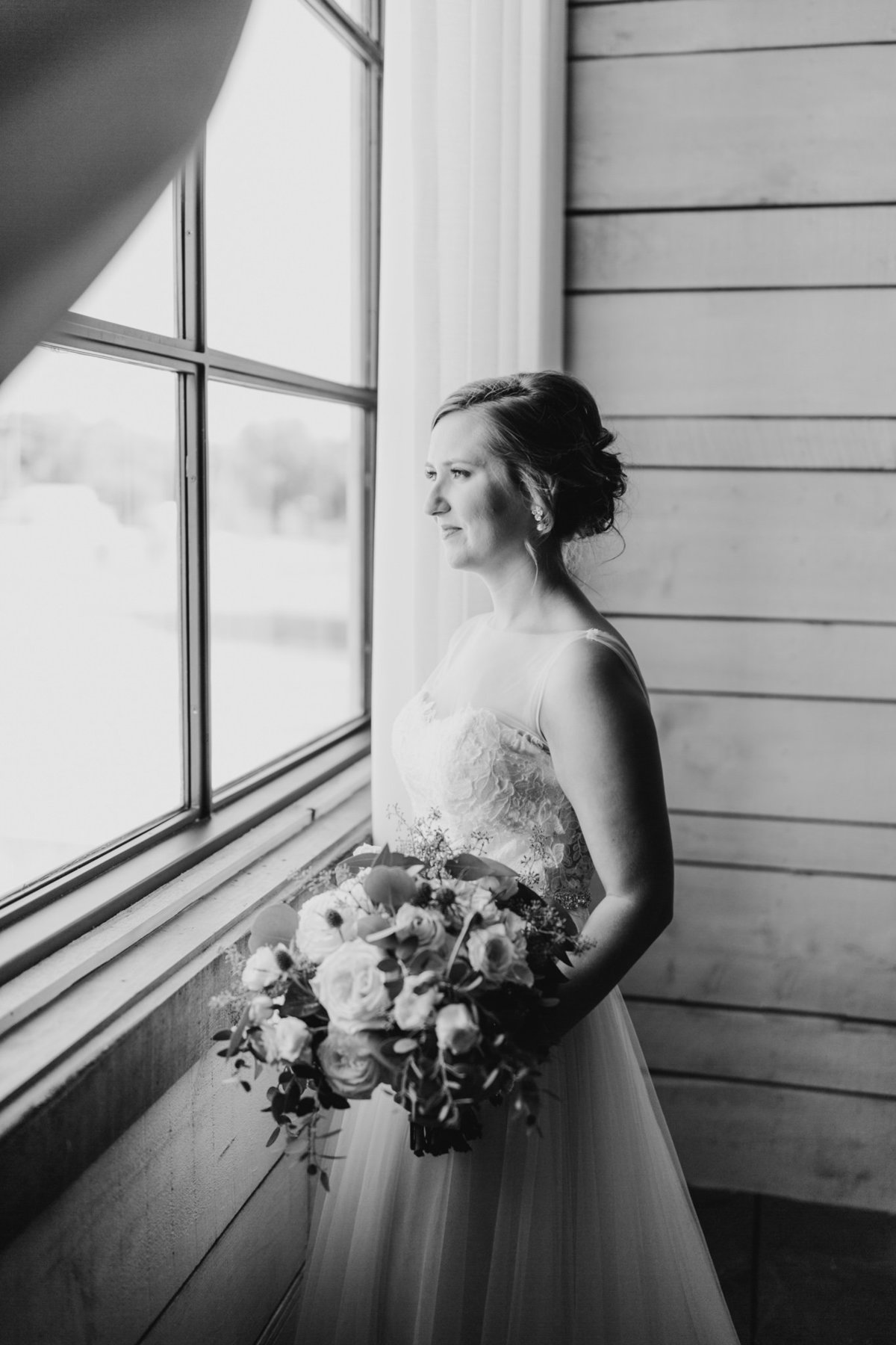 Alexa-Vossler-Photo_Dallas-Wedding-Photographer_North-Texas-Wedding-Photographer_Stephanie-Chase-Wedding-at-Morgan-Creek-Barn-Aubrey-Texas_67