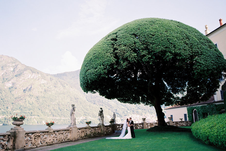 lake_como_italy_villa_balbianello_destination_wedding_melanie_gabrielle_043