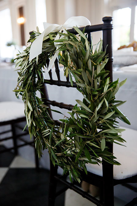 chicago_history_museum_life_in_bloom_olive_wreath