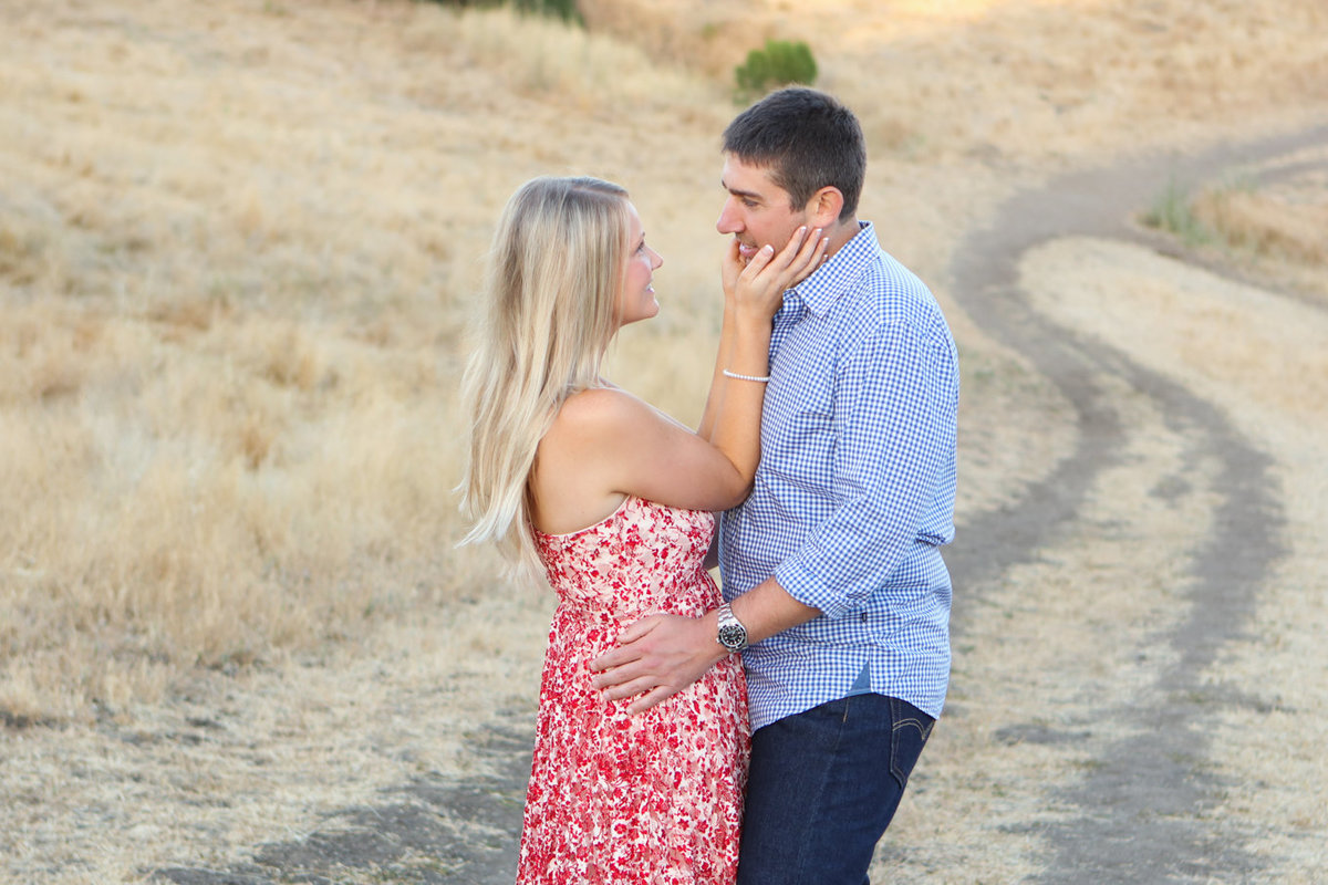 Bay area photographer outdoor natural light portraits in field