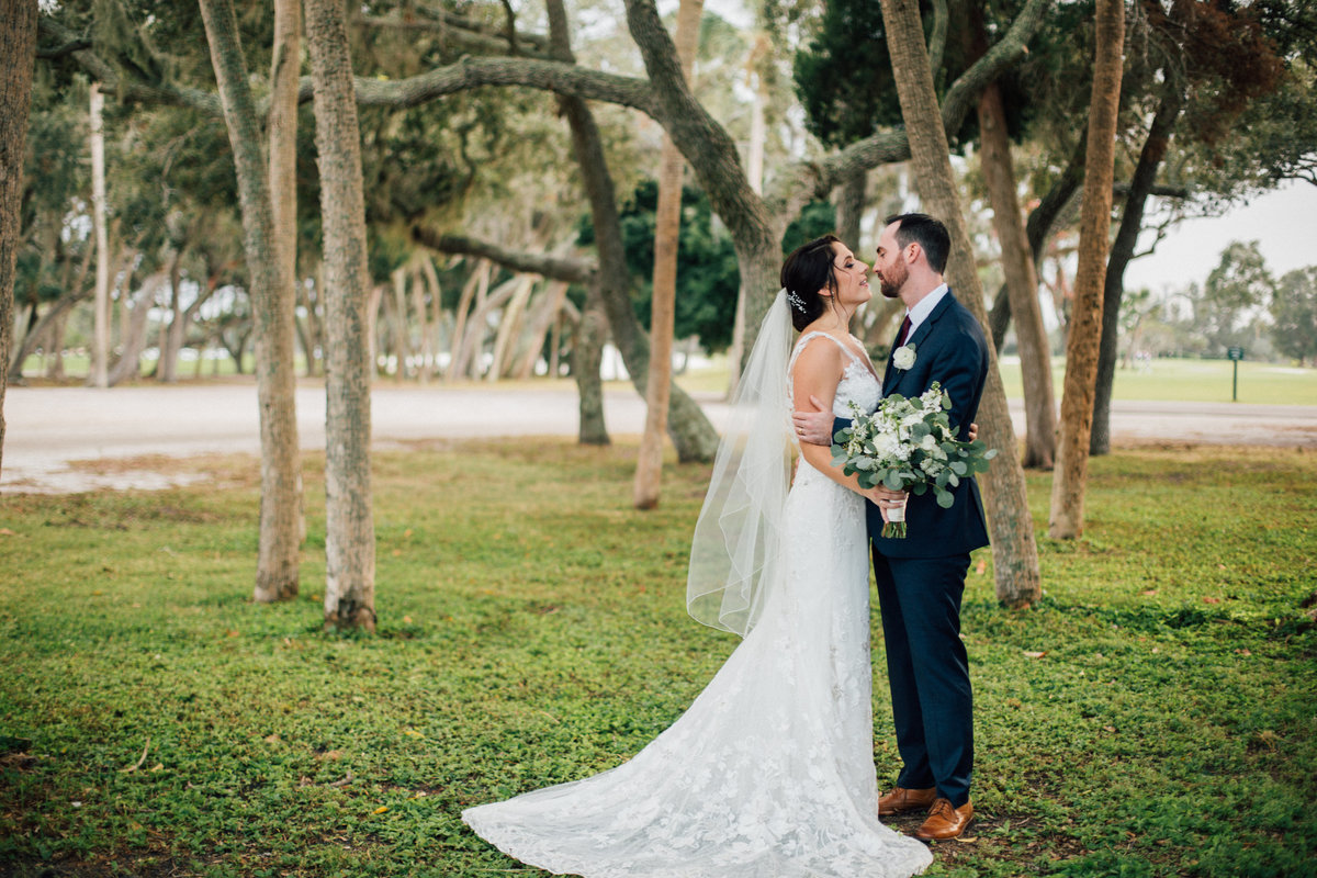 Tampa Wedding Photographer, Barefoot Photography, Longboat Key resort, Outdoor wedding, Spanish moss wedding