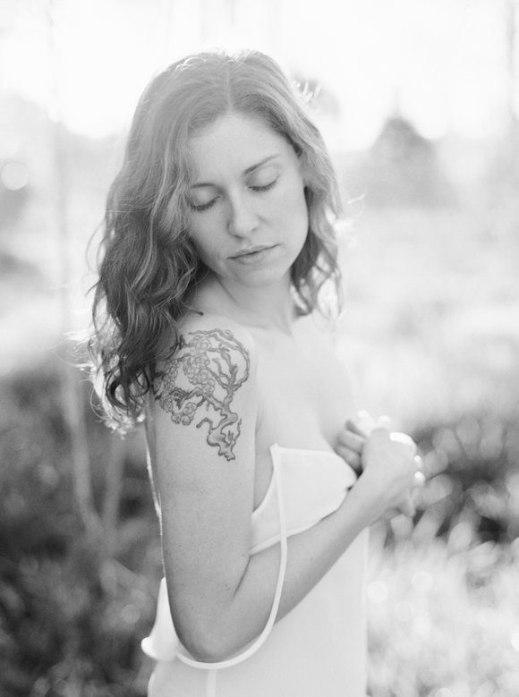 organic-outdoor-boudoir-inspiration-gossamer-gathered-melanie-gabrielle-photography-135