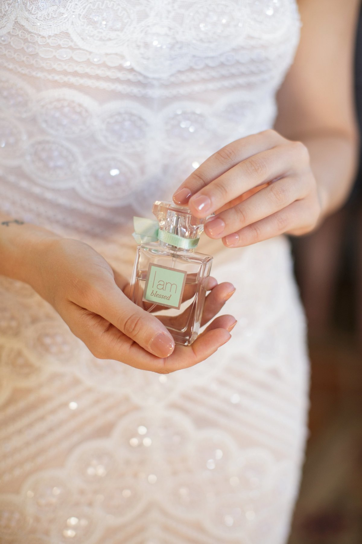 the-perfect-wedding-perfume-for-the-bride