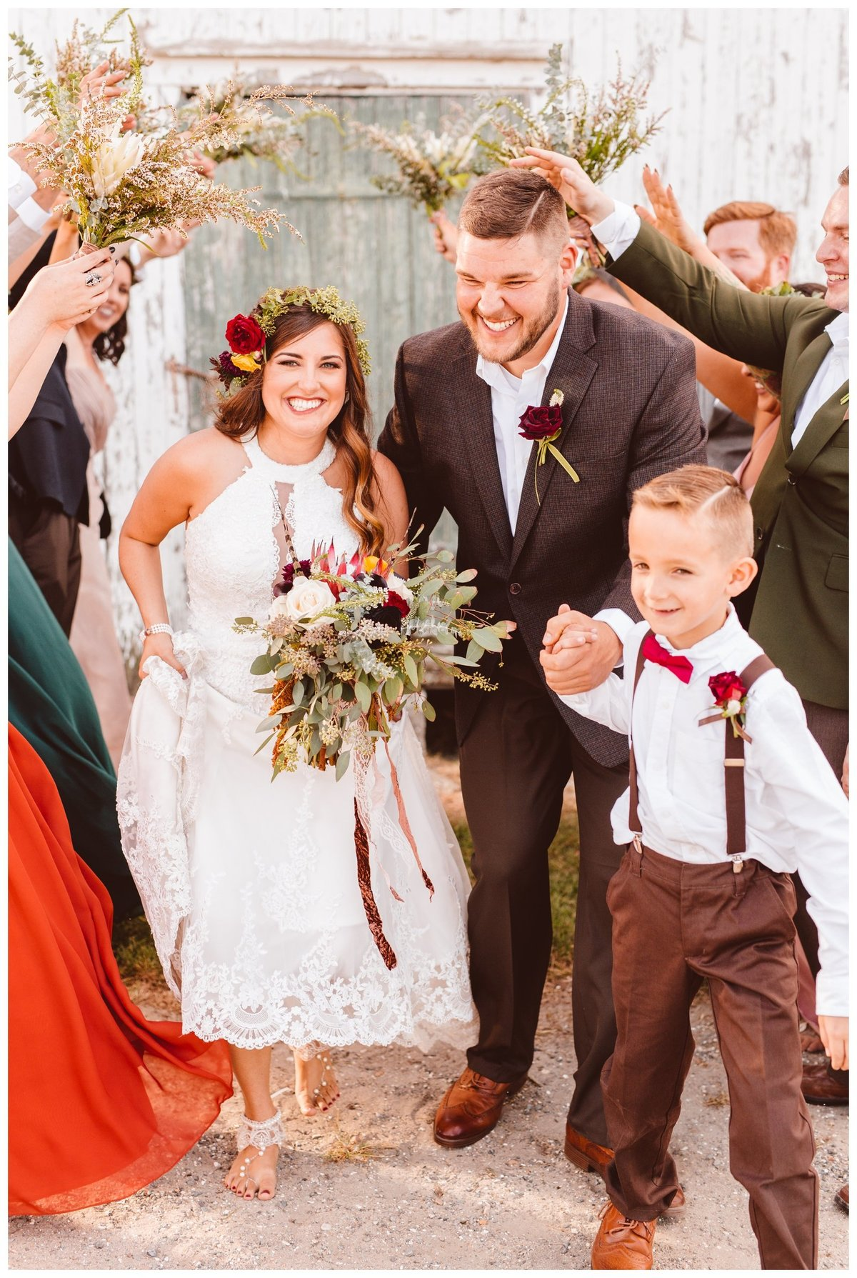 kelley-and-andrews-boho-whimsical-family-farm-wedding-brooke-michelle-photography_1618