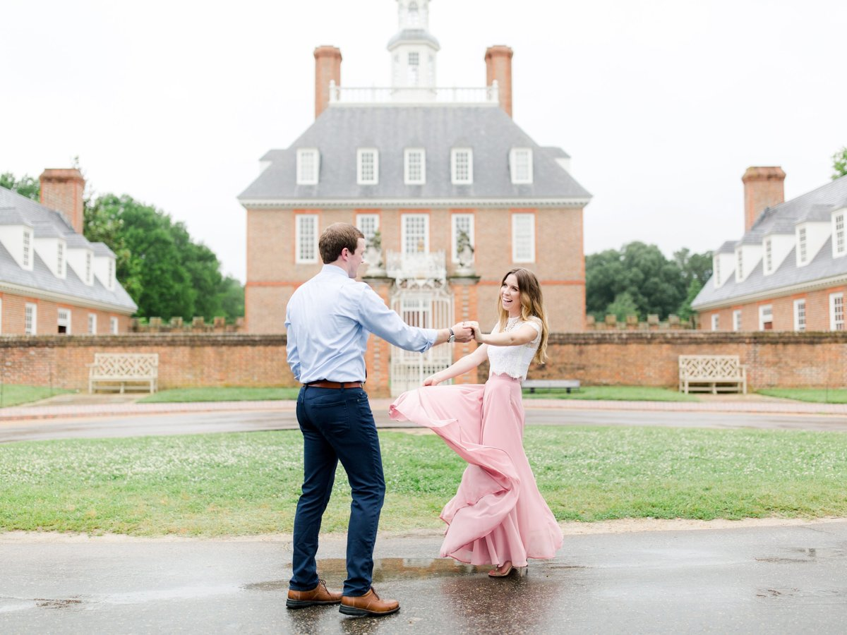 colonial-williamsburg-virginia-engagement-photographer-emily-and-matthew-296 copy