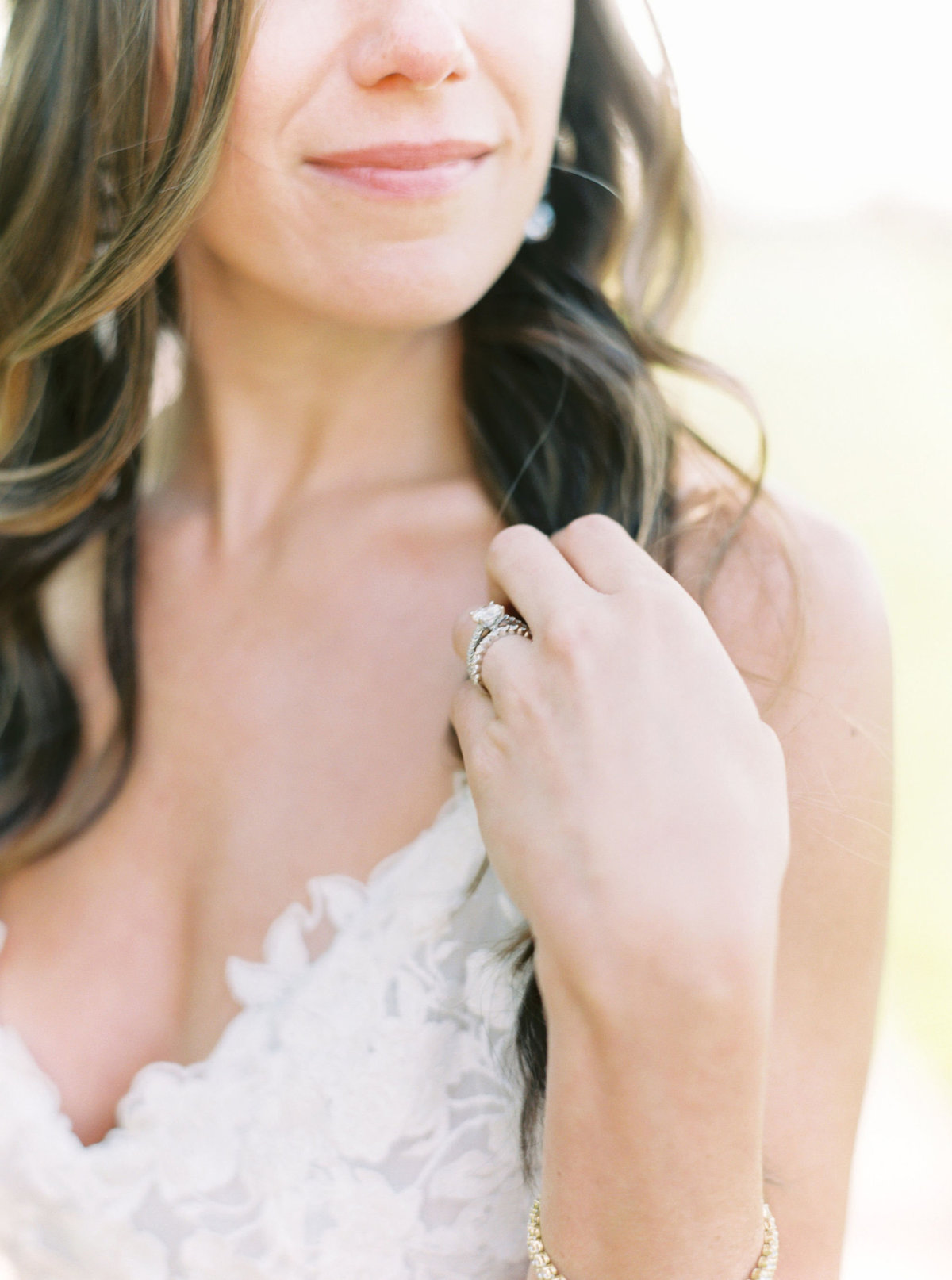 TiffaneyChildsPhotography-ChicagoWeddingPhotographer-Chloe+Jon-HinsdaleCountryClubWedding-BridalPortraits-115