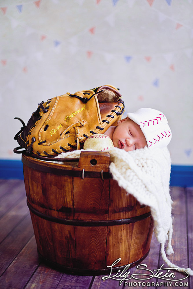 baby-caden-newborn-baseball-days-old-portraits-2-week-lily-stein-photography-002