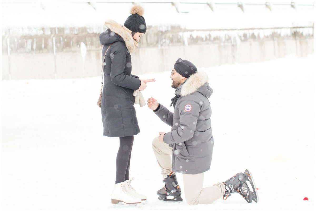 Light-and-Airy-Ottawa-Wedding-Photographer-Winter-Proposal