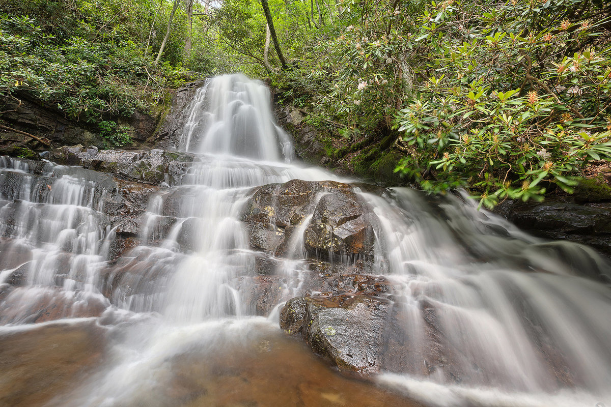 waterfall in smokey mountains national park