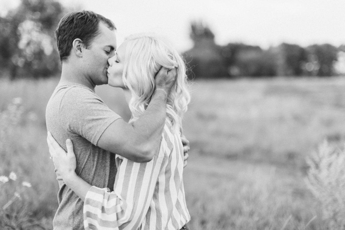 Fargo Engagement Photographers  (13)