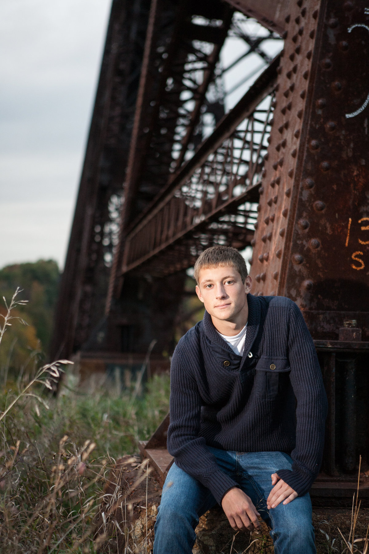 Outdoor high school senior portrait photographer casual photos in the Hudson Valley NY