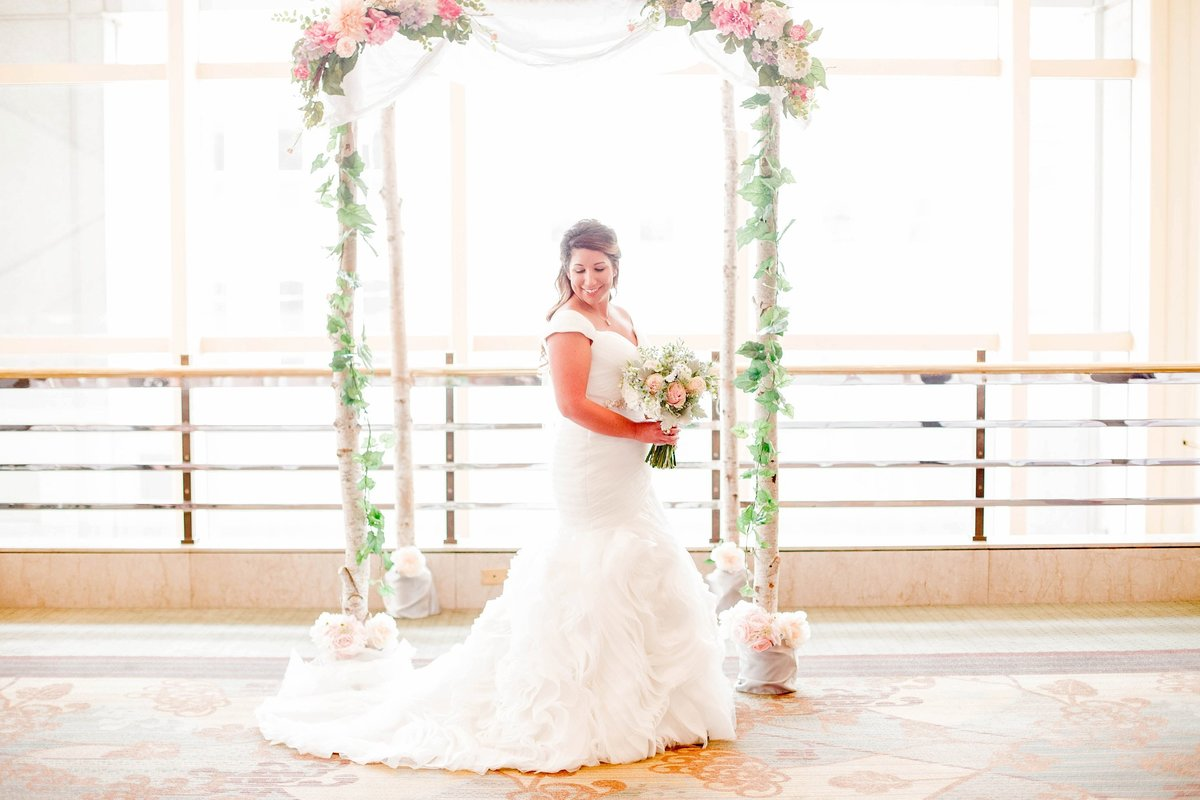 Baby Powder Blue and Blush Summer Park Inn Wedding with First Look by Toledo and Detroit Based Wedding Photographers Kent & Stephanie Photography_0958