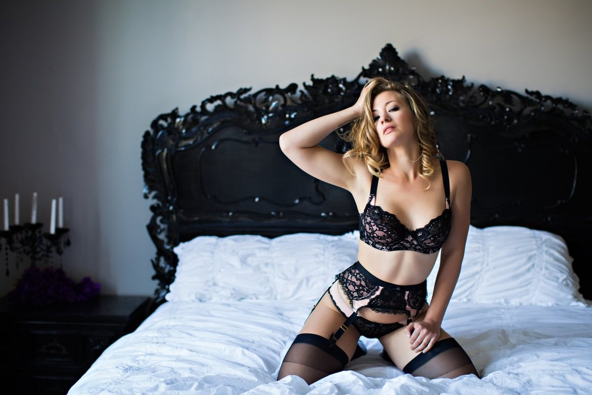 Hampton Roads Boudoir Photographer