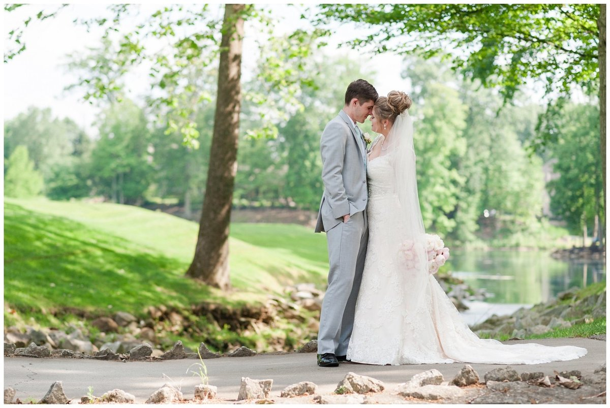 Wedgewood Golf and Country club Wedding Photos Powell Ohio_0005