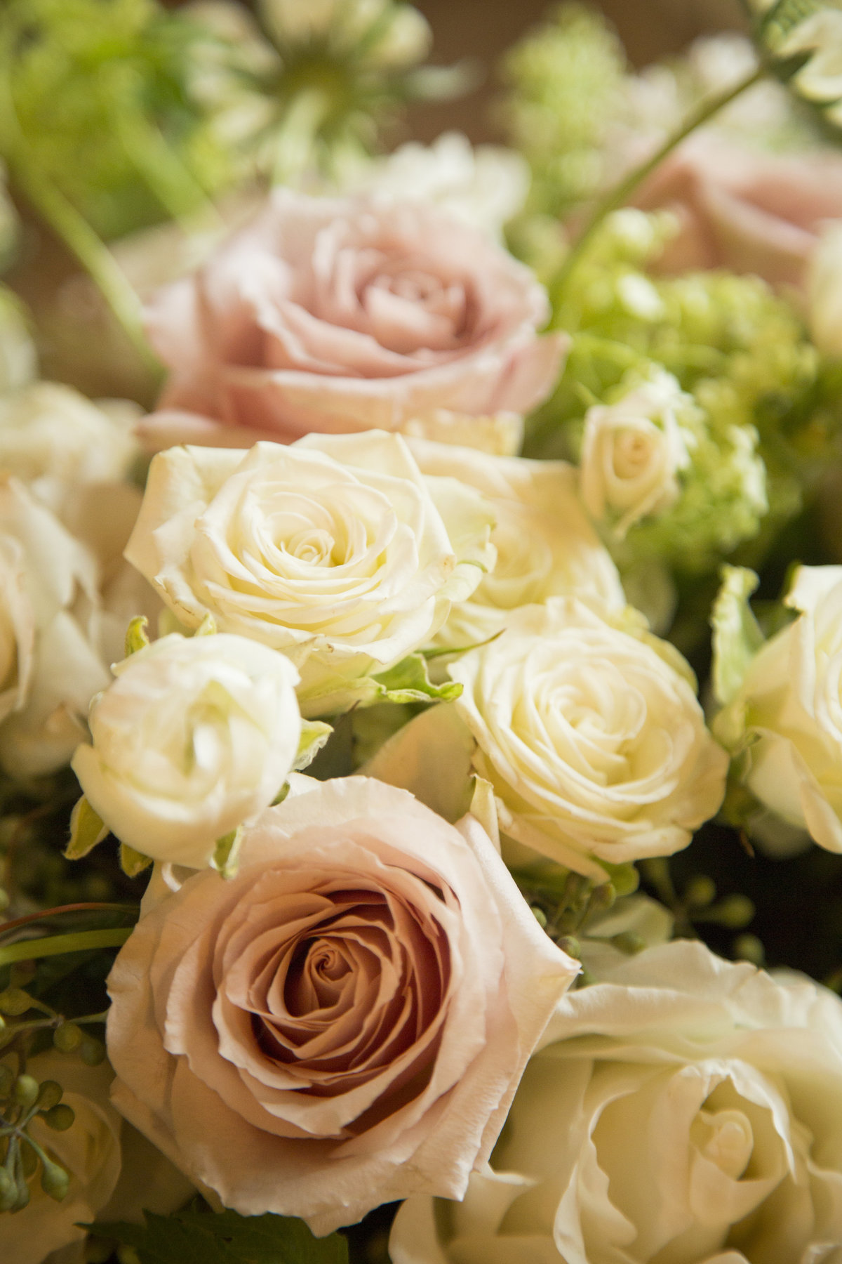 blush and ivory wedding flowers flagstaff