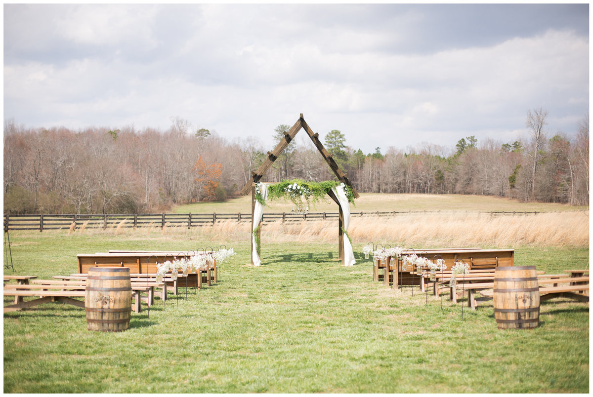 LPT Designs Photography Lydia Thrift Gadsden Alabama AL Wedding Photographer Weeks Hay Barn Collinsville Blog 33