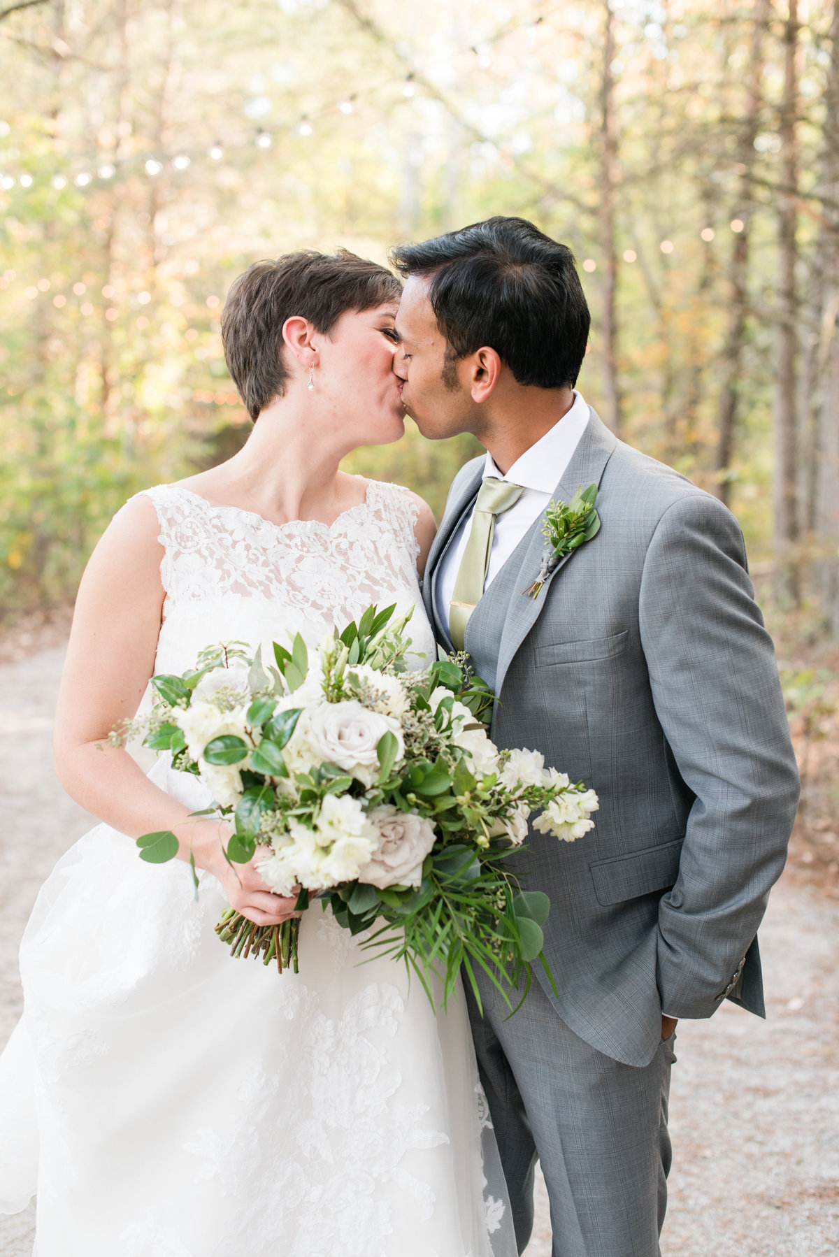 Romantic and Lush Meadows at Walnut Cove Styled Shoot0309