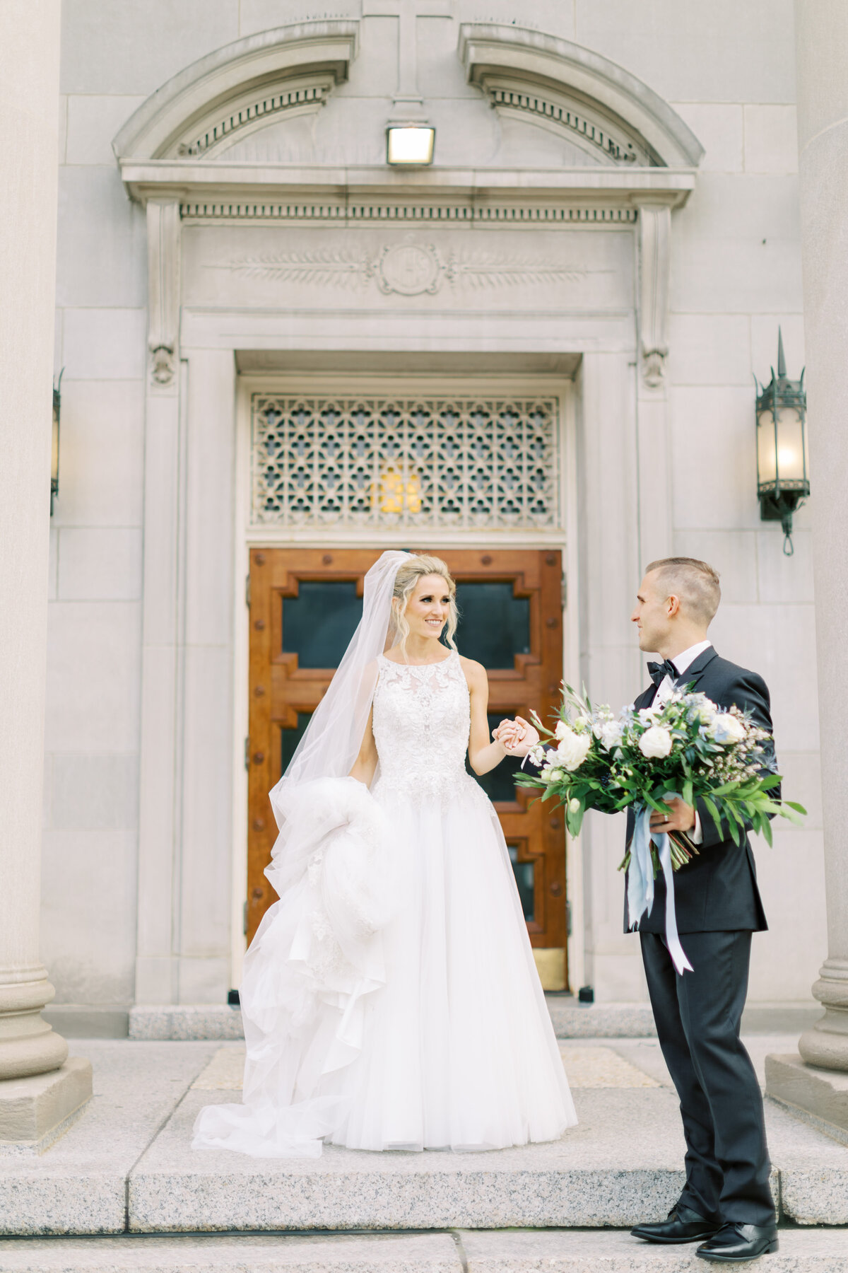 TiffaneyChildsPhotography-ChicagoWeddingPhotographer-Caitlin+Devin-MedinahCountryClubWedding-BridalPortraits-9