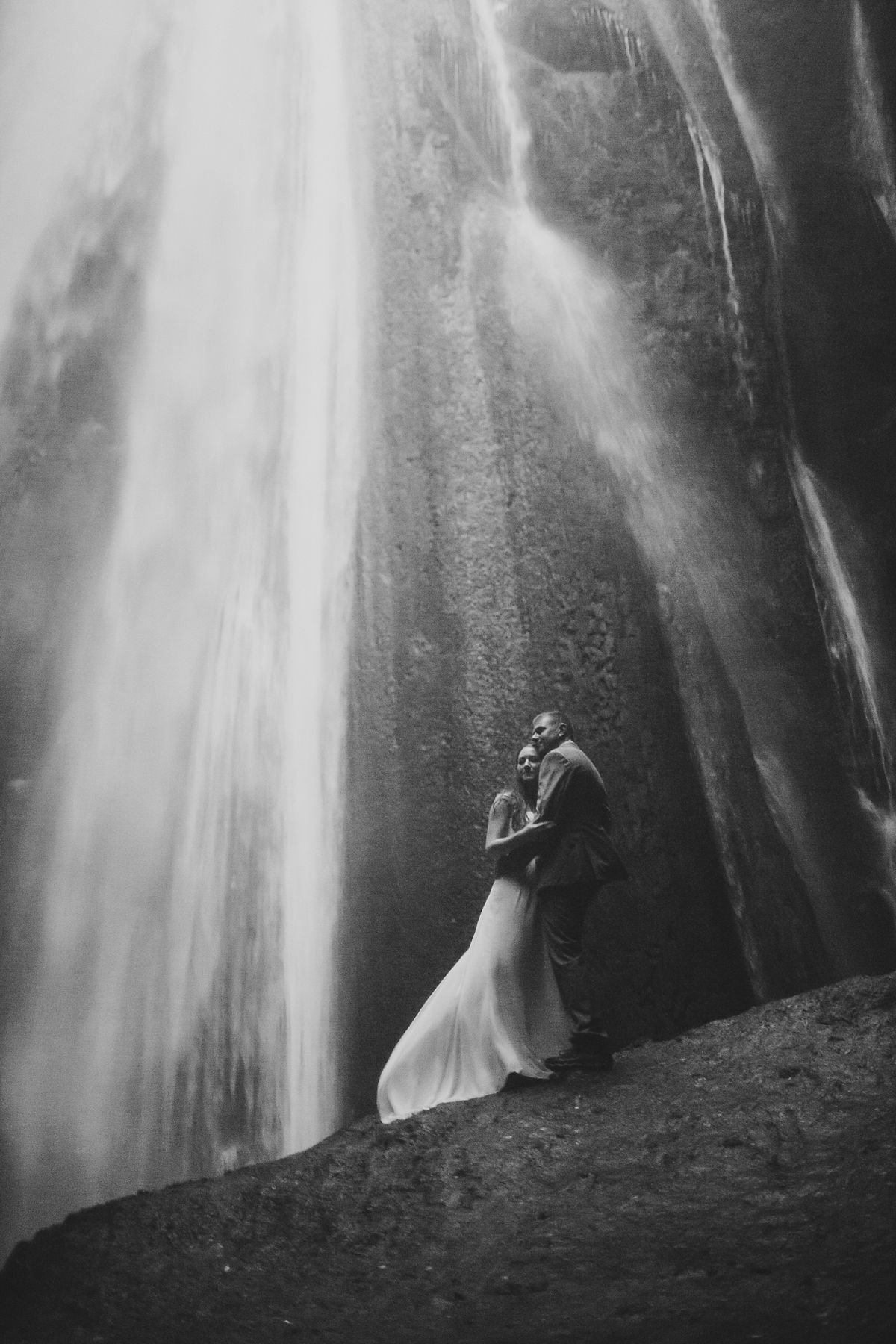 IcelandElopement_CaitlinMike_CatherineRhodesPhotography-376