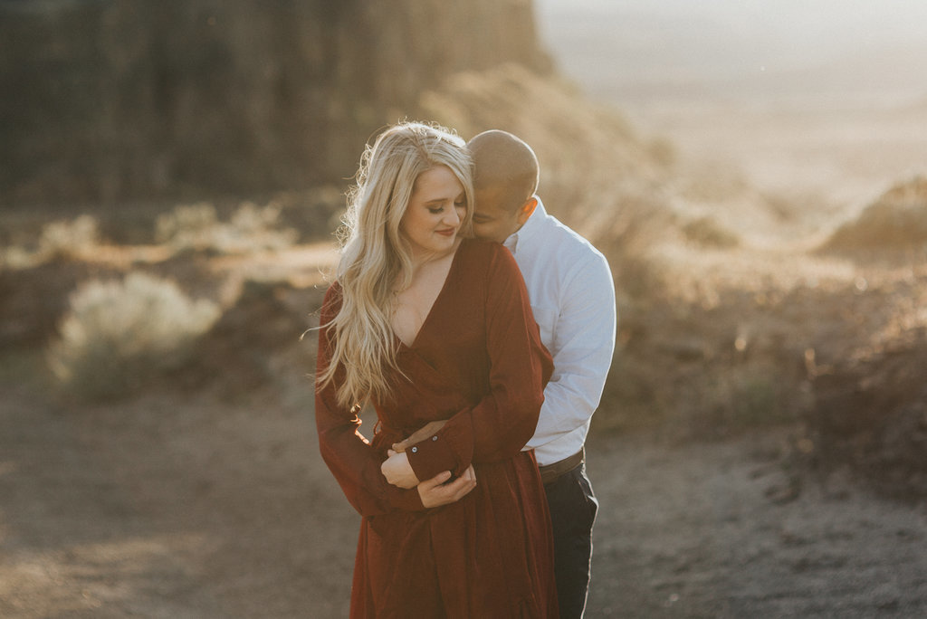 desert elopement inspiration in the middle of the desert in Arizona