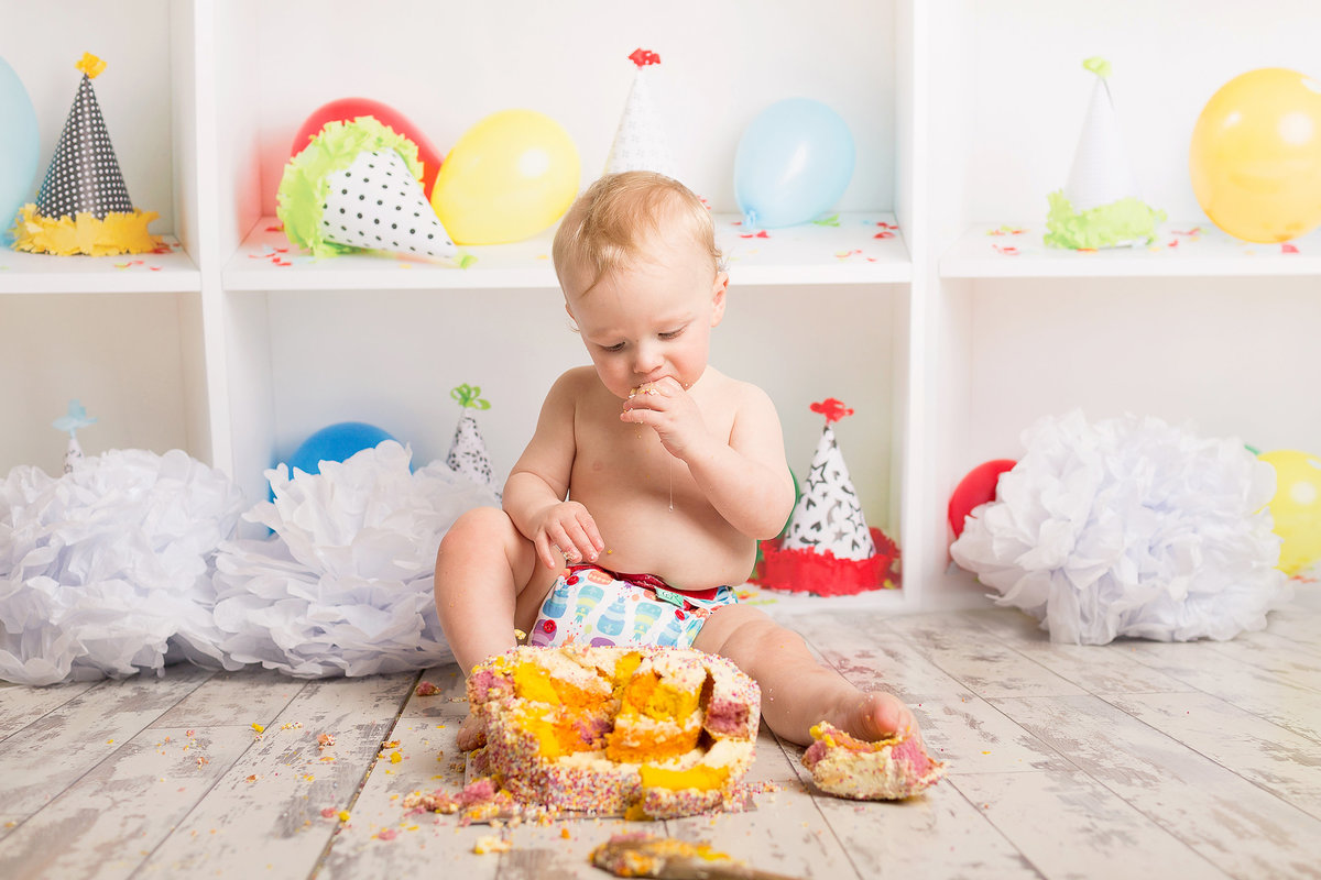 FERNDOWN BOURNEMOUTH CAKE SMASH PHOTOGRAPHY STUDIO 00025 (24)