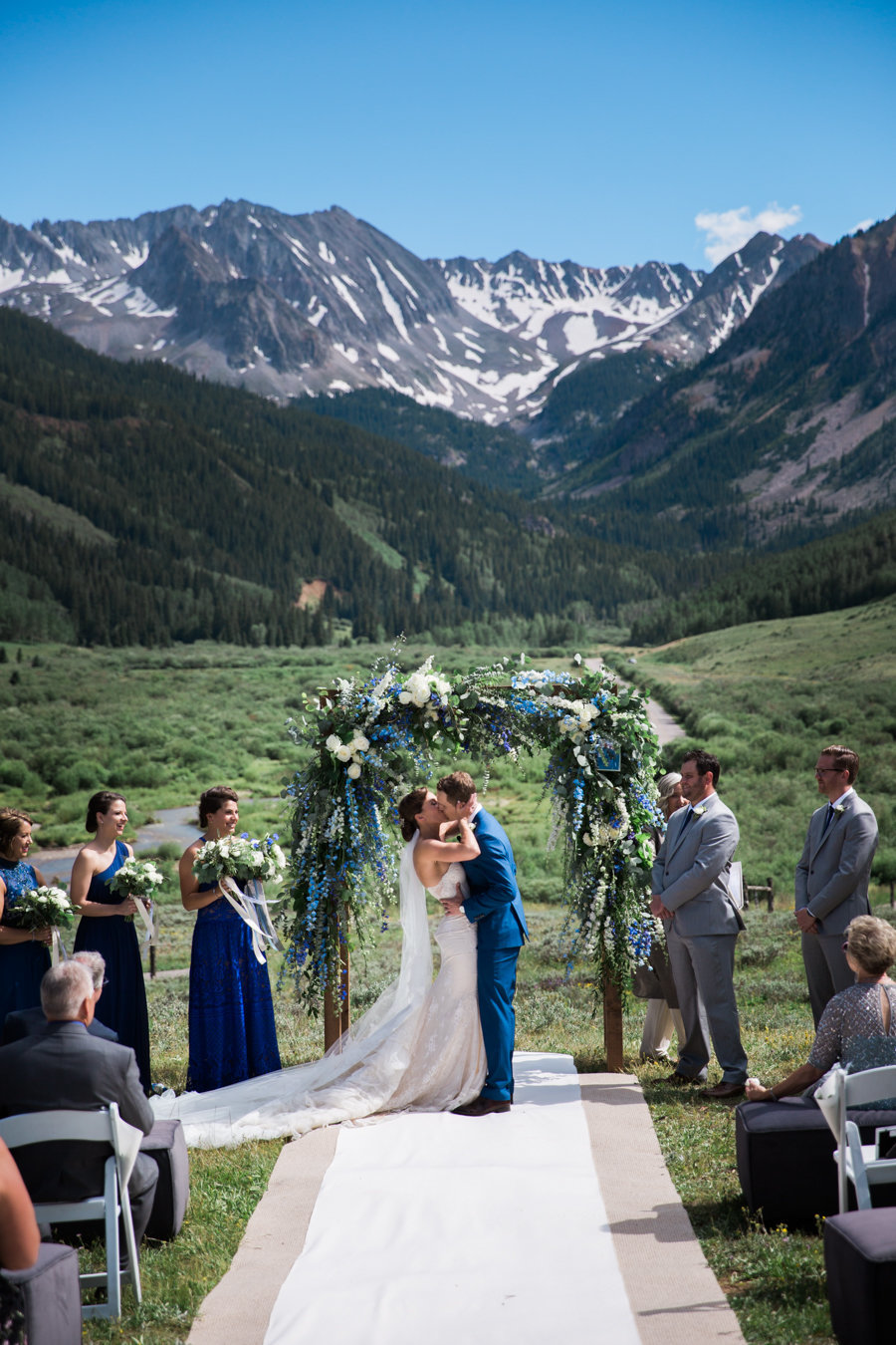 aspen-wedding-photographers-pine-creek-cookhouse-wedding-woodnote-photography-walk-of-frame-gj-5