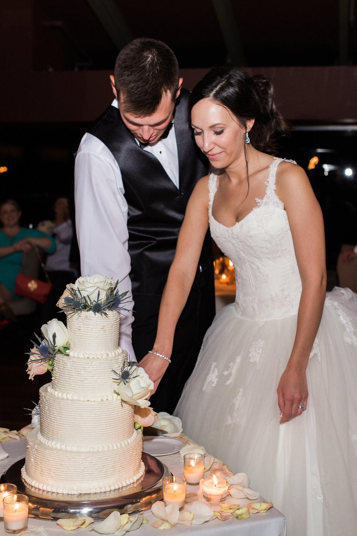 Keely_FJ_3966Tapatio_Cliff_Pointe_Hilton_Different_Pointe_Of_View_Wedding