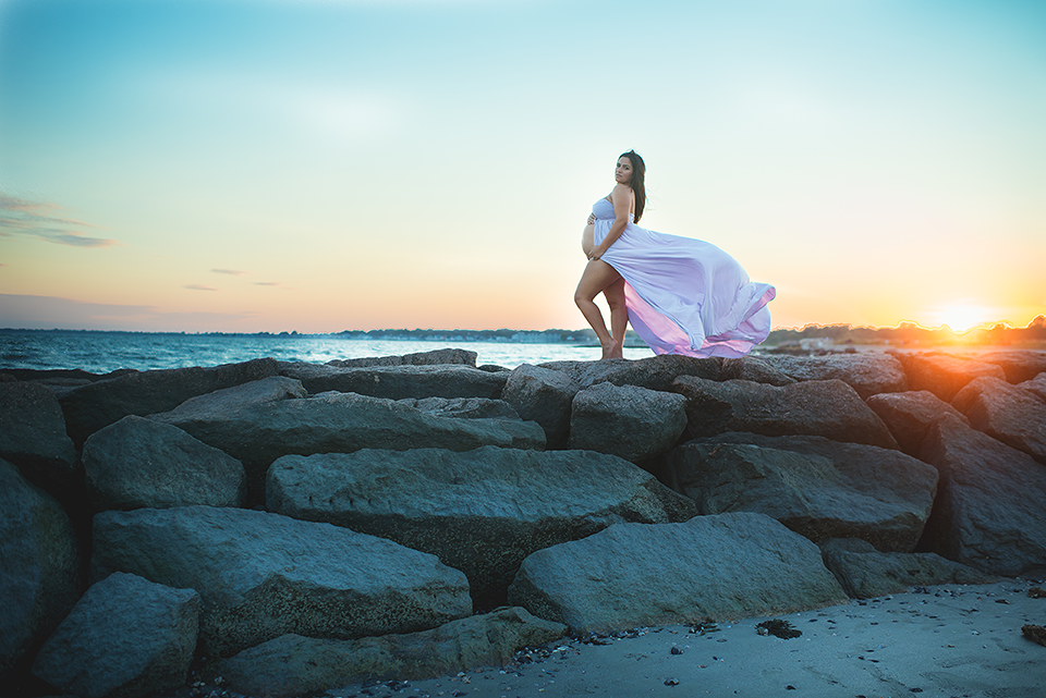 Sunset Beach Maternity Photography Session | Milford CT Maternity Photographer Elizabeth Frederick Photography