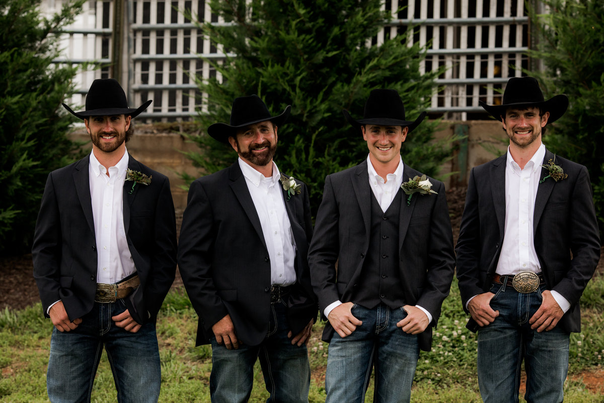 Nsshville Bride - Nashville Brides - The Hayloft Weddings - Tennessee Brides - Kentucky Brides - Southern Brides - Cowboys Wife - Cowboys Bride - Ranch Weddings - Cowboys and Belles037