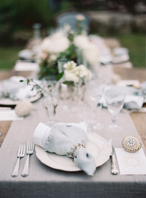 a-gorgeous-european-french-tablescape-max-gill-jill-lafleur-normandy-france-chateau-le-val-sylvie-gil-photography-melanie-gabrielle-photography-12