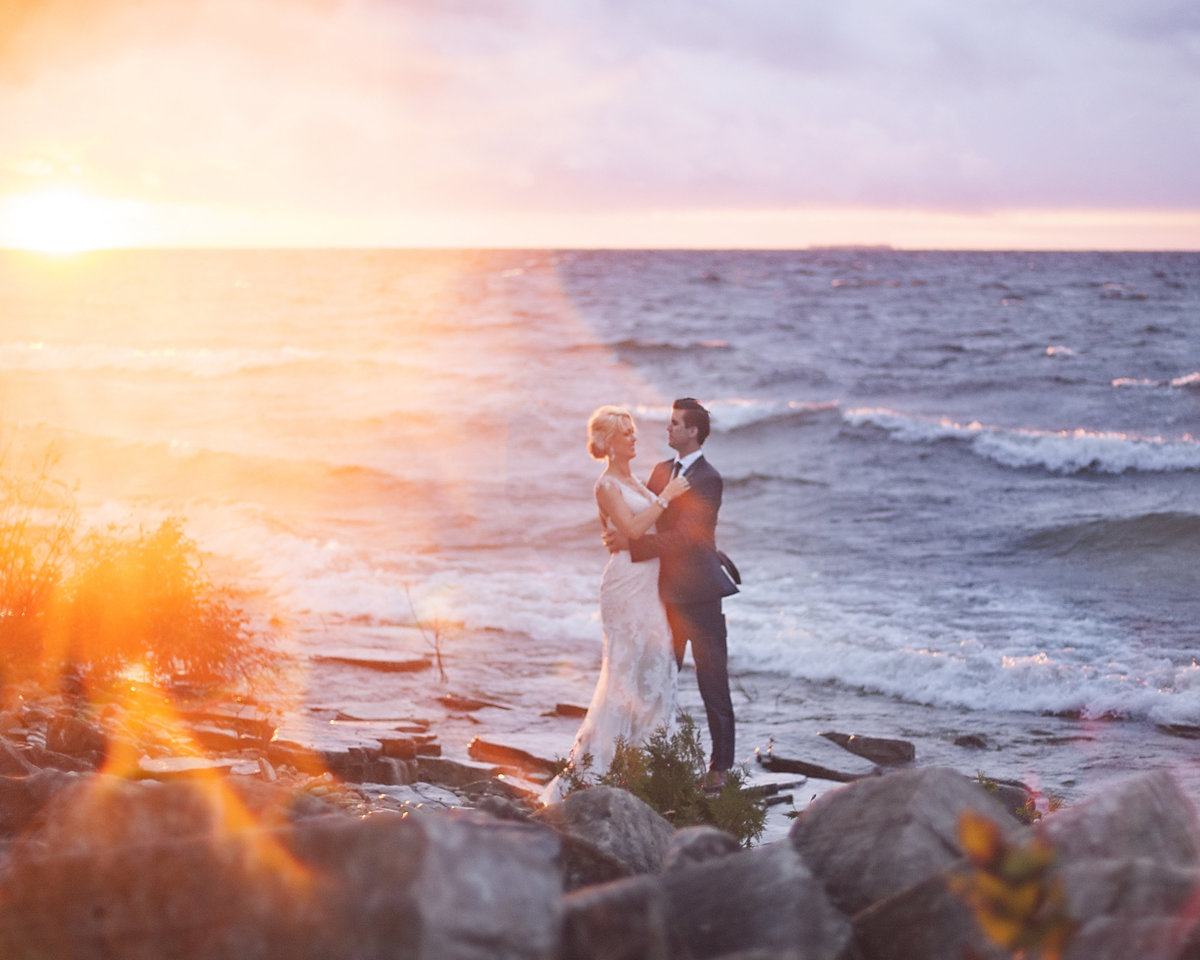 Elegant wedding in Sturgeon Bay waterfront sunset bride and groom by Casi Lea Photography-green bay wedding photographer-door county wedding photographer-milwaukee wedding photographer-appleton wedding photographer-wisconsin weddings