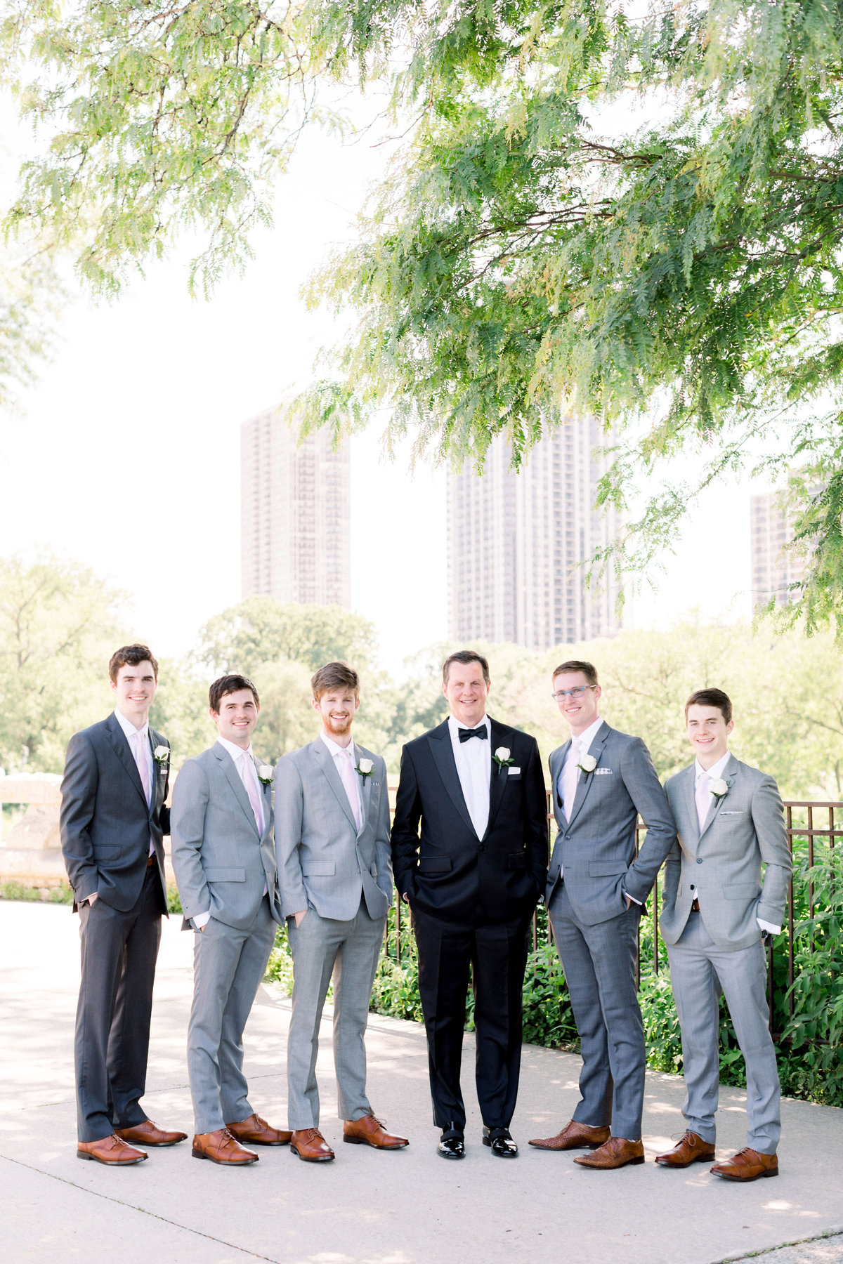 TiffaneyChildsPhotography-ChicagoWeddingPhotographer-Christine+Patrick-MundeleinAuditoriumWedding-FamilyFormals-26