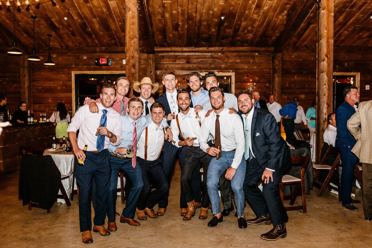 Alexa-Vossler-Photo_Dallas-Wedding-Photographer_North-Texas-Wedding-Photographer_Stephanie-Chase-Wedding-at-Morgan-Creek-Barn-Aubrey-Texas_178