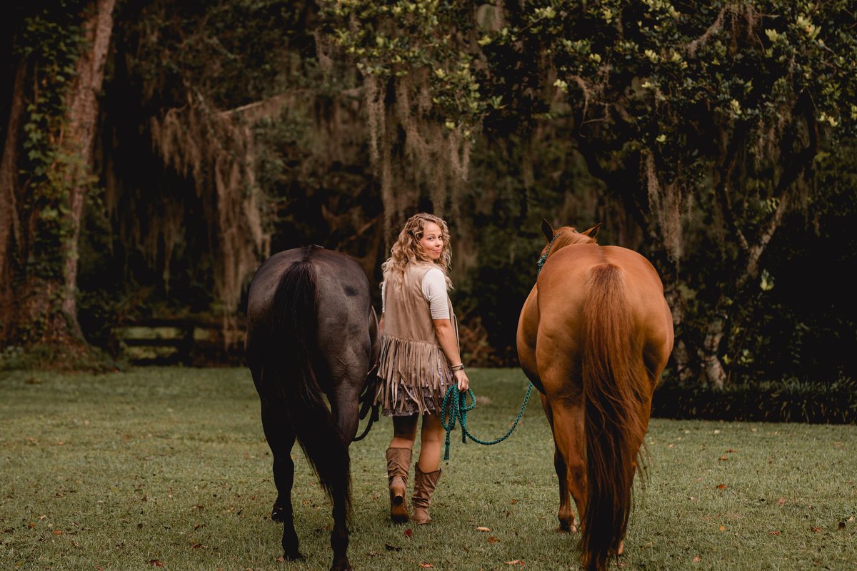 Simple and natural horse photography with barrel racing horses in North Florida.