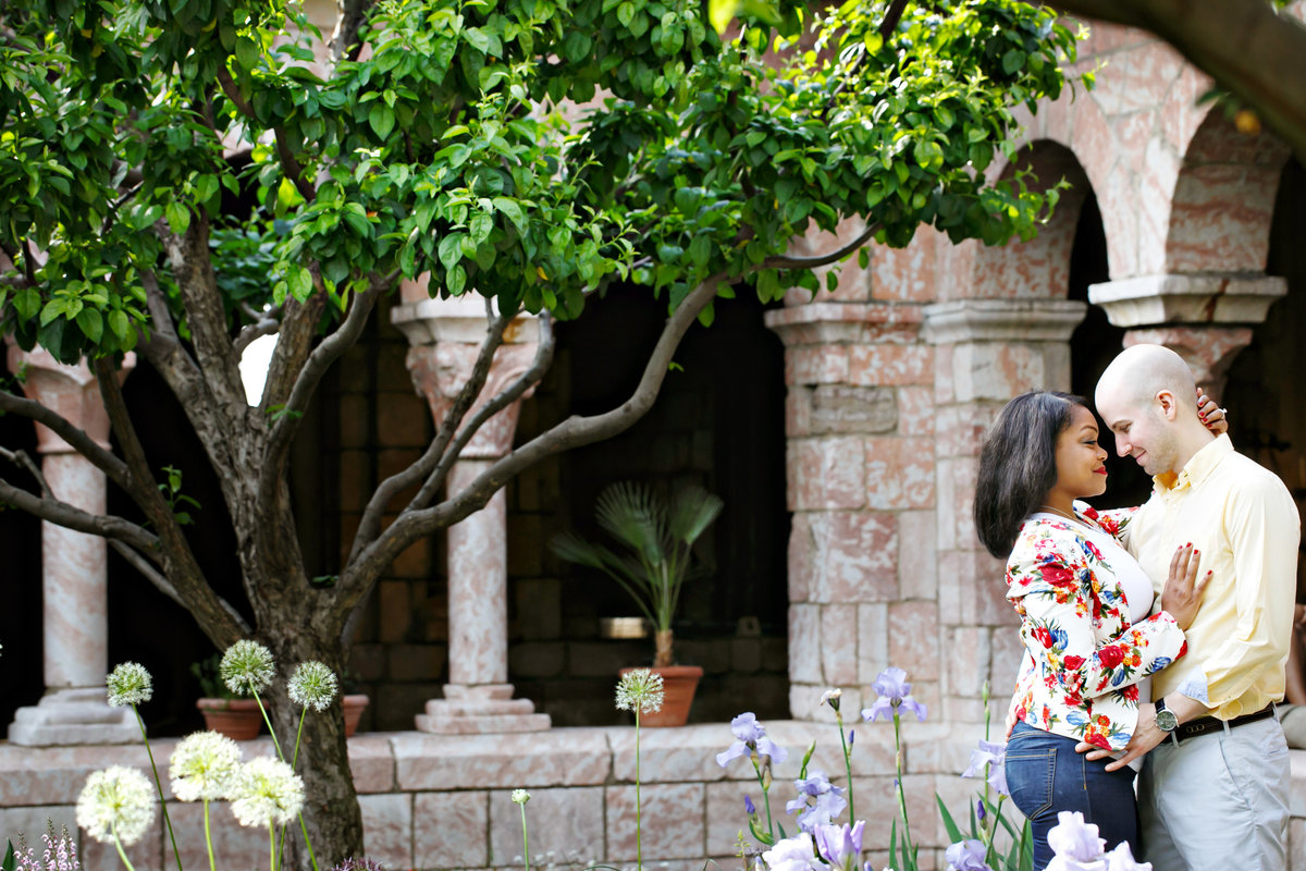 AmyAnaiz_Fort_Tyrone_Park_Cloisters_Engagement_New_York_015