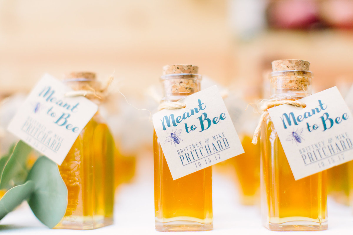 Meant to bee wedding souvenirs