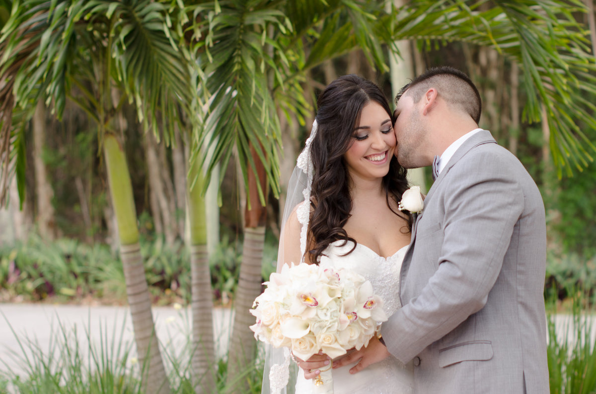 Pembroke Pines wedding photographer Andrea Arostegui
