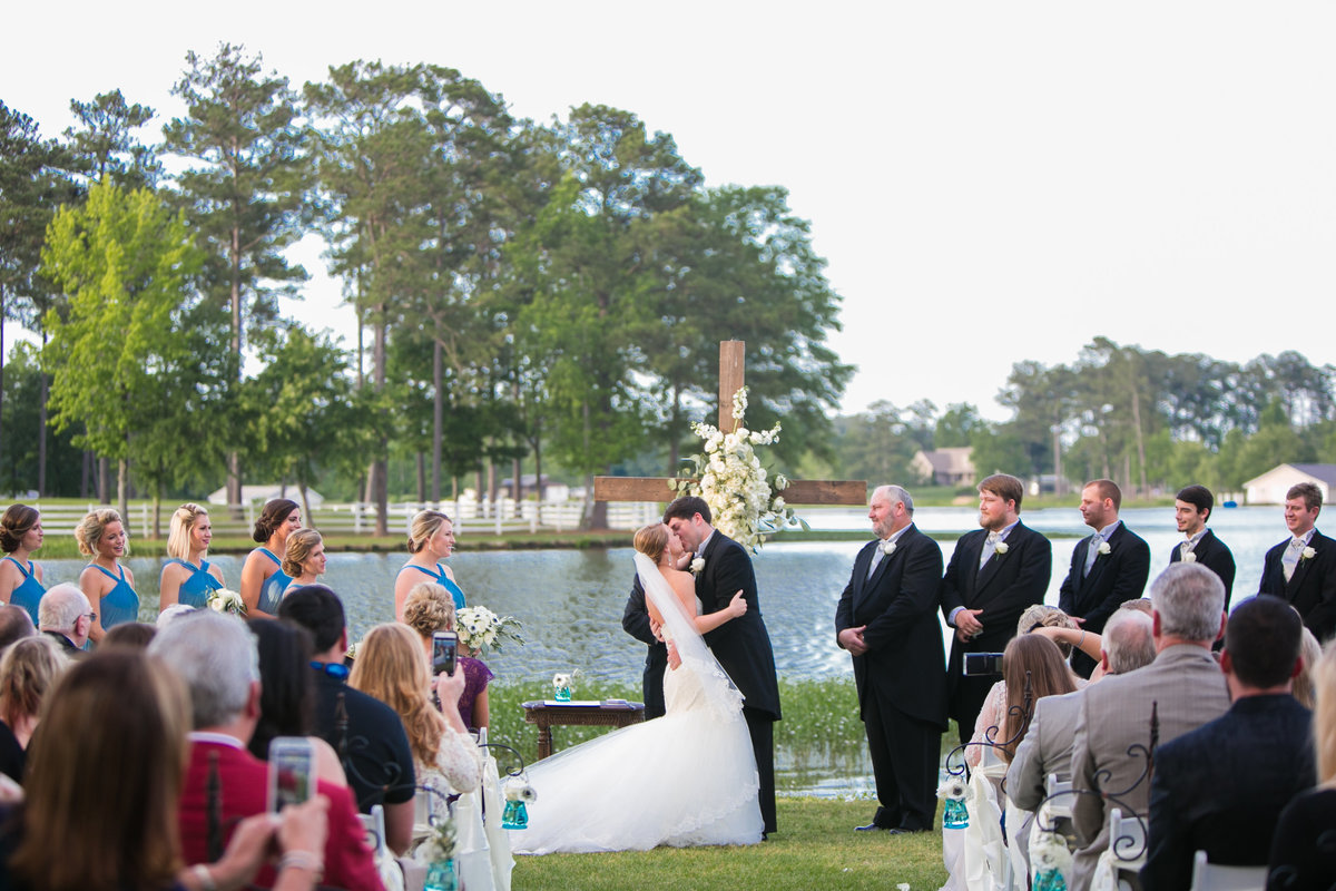 jadore_photographie_drake_britt_weddings_at_lay_lake_oak_island-817