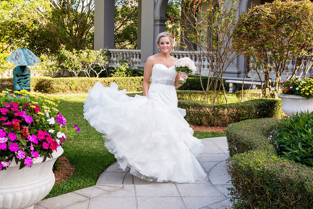 ritz carlton naples florida wedding photo bride spinning