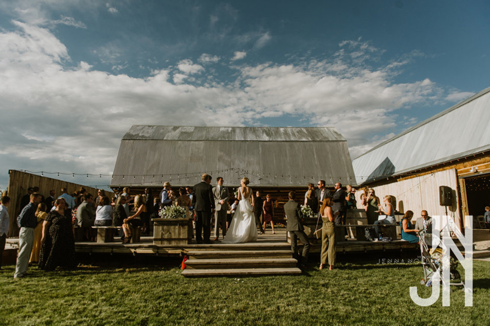 granby-colorado-strawberry-creek-ranch-classic-mountain-wedding-in-the-summer-introducing-mr-and-mrs